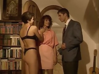italian Scommessa fatale - Simona Valli full movie scene hairy video