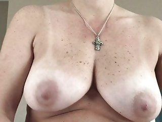 amateur My Wife Giving Me a Handjob - Hot Wet Pussy on Me handjob video